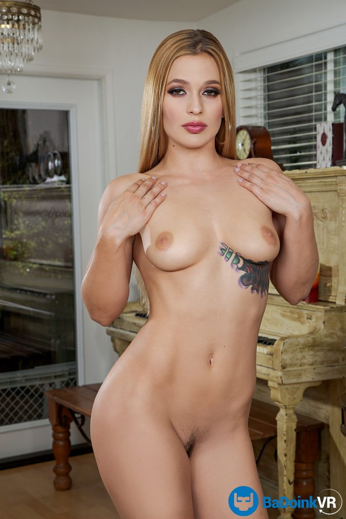 Sloan Harper nude pornstar photo